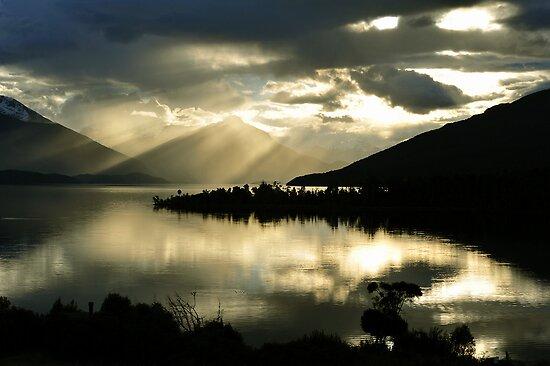 Lake Te Anau. South Island, New Zealand by Ralph de Zilva