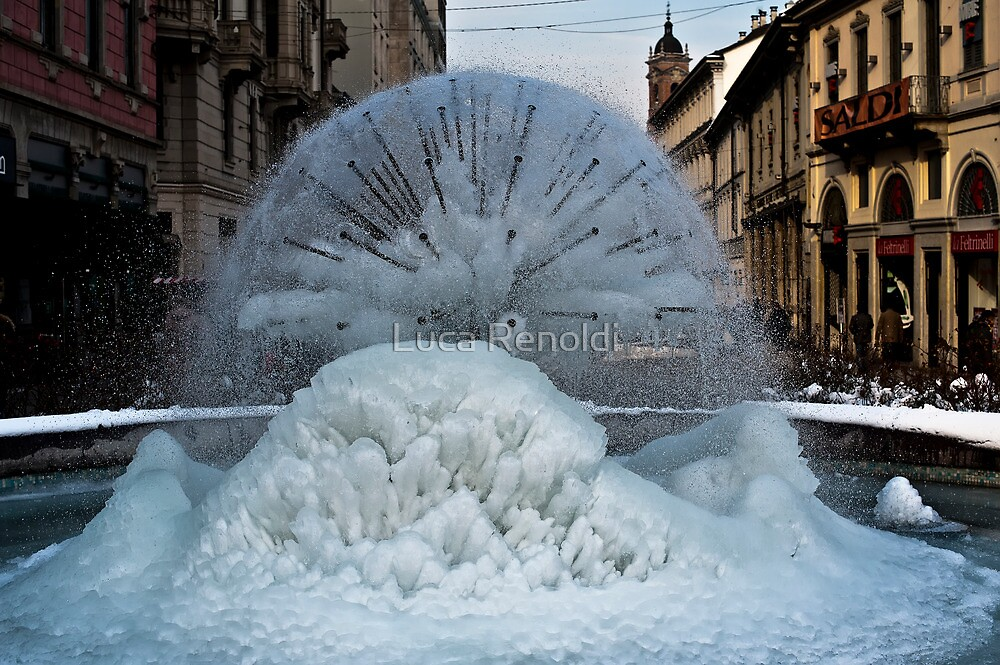 Iced Fountain in Monza by Luca Renoldi