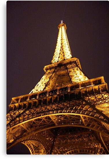 Eiffel Tower by Daniel Silva