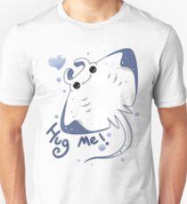 Manta Ray : Hug me! T-Shirt