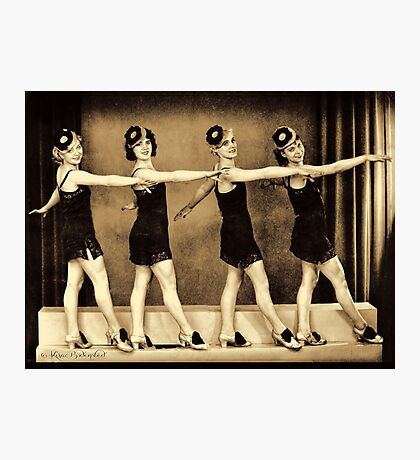Chorus line in the 1920'es - flappers Photographic Print