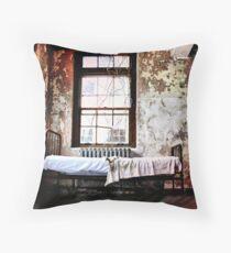 """""""Je rêve""""- I Dream Throw Pillow"""