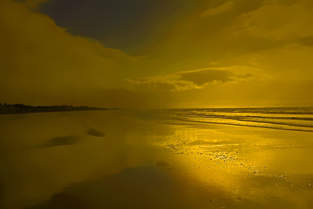 SILENCE IS GOLDEN by leonie7