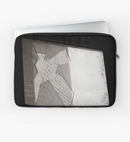 Simply Broken Laptoptasche