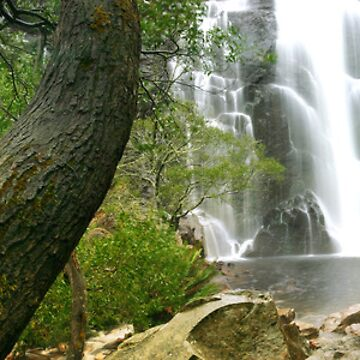 Mackenzie Falls by SamSneddon