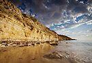 Pt Willung Cliffs by KathyT