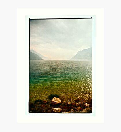 LA NEBBIA NASCONDE IL LAGO DI GARDA. Bella Italia. by Doktor Faustus. Views: 198 . Thanks friends ! Art Print
