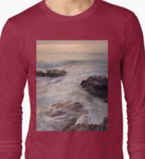 A Cornish Summers Sunset at Treyarnon Bay. T-Shirt