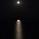 Reflections of the full Moon - Reflecciones de la Luna Llena by PtoVallartaMex