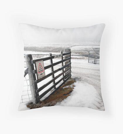 lune head farm Throw Pillow