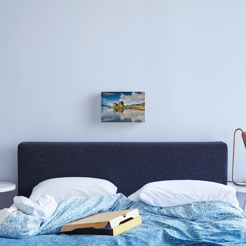 Scotland: Eilean Donan Sunshine Canvas Print