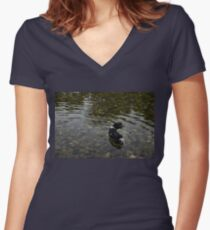 Crystal Clear Water Play - Cute Puppy In The River Women's Fitted V-Neck T-Shirt