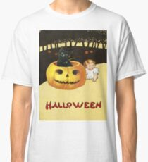 Shocking The Baby (Vintage Halloween Card) Classic T-Shirt