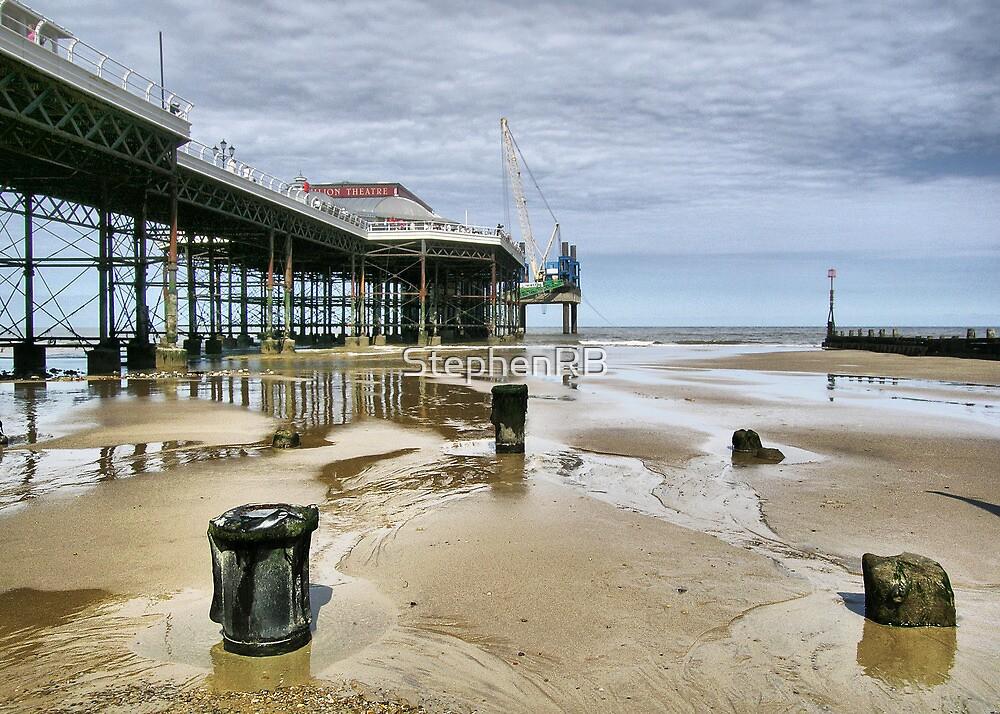 Cromer Pier by StephenRB