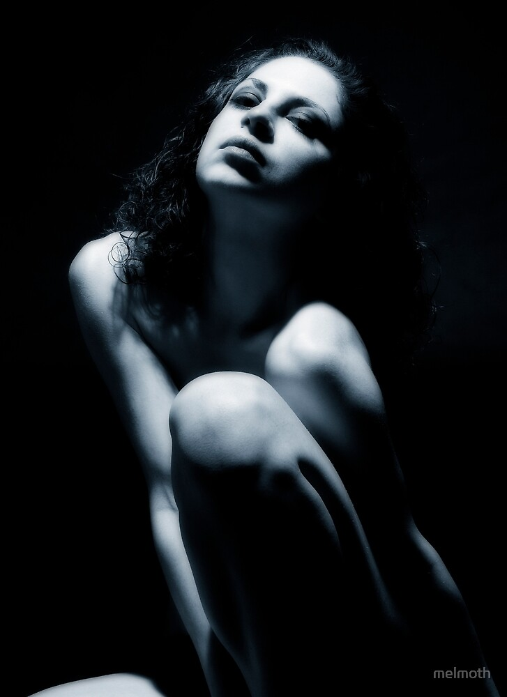 Attitude - A Blue Nude by melmoth