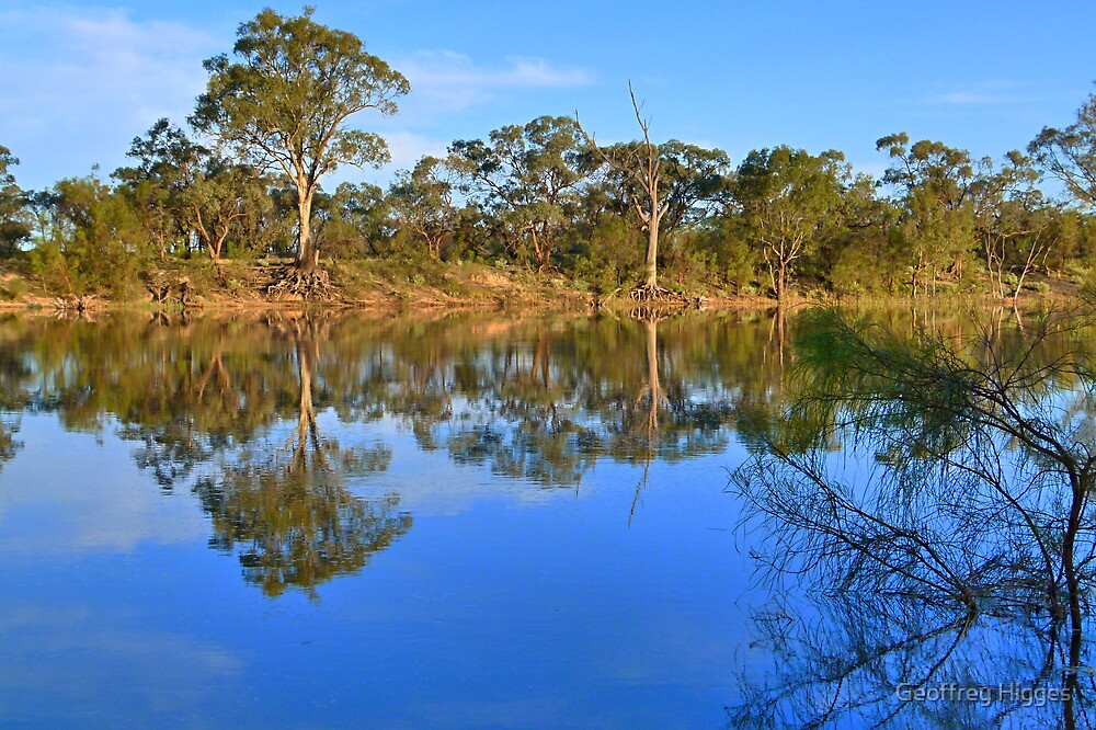 Murray River Scene, Mildura , Australia by Geoffrey Higges