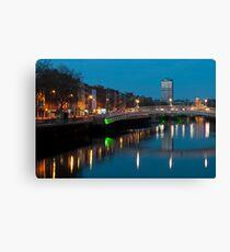 Dublin at night Leinwanddruck