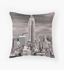 Skyline of New York City Throw Pillow