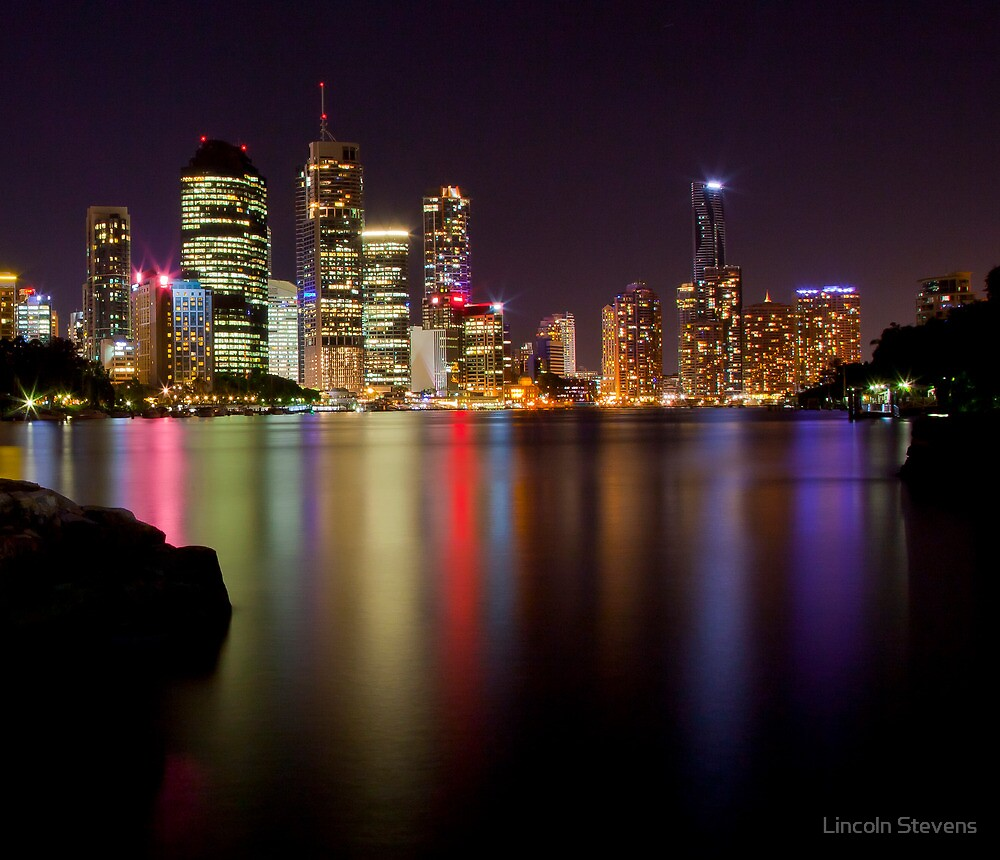 Reflection of Brisbane Beauty by Lincoln Stevens