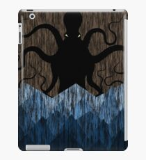 Cthulhu's sea of madness - Brown iPad Case/Skin