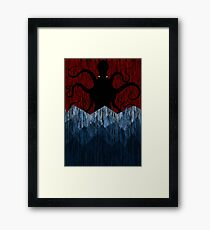 Cthulhu's sea of madness - Red Framed Print