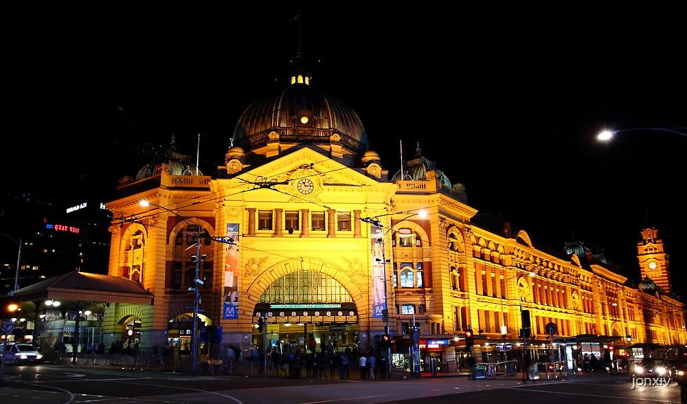 """Flinders Street Station"" by jonxiv"
