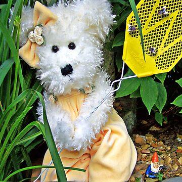 Winnie's Shoo Fly by DwCCreations