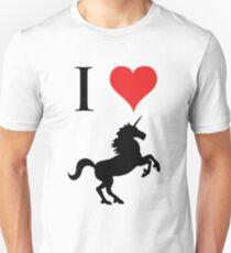 I Love Unicorns (black design) T-Shirt