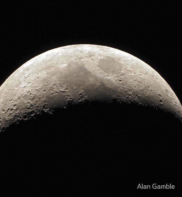 Waxing Crescent - 11 November 2010 by Alan Gamble