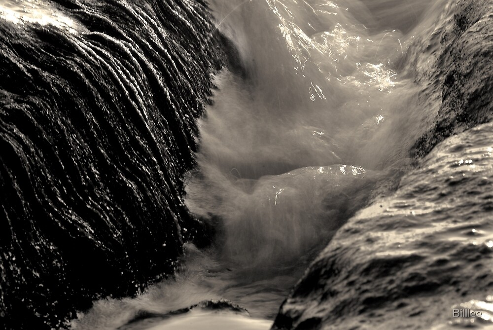 Tide up Close. by Billlee