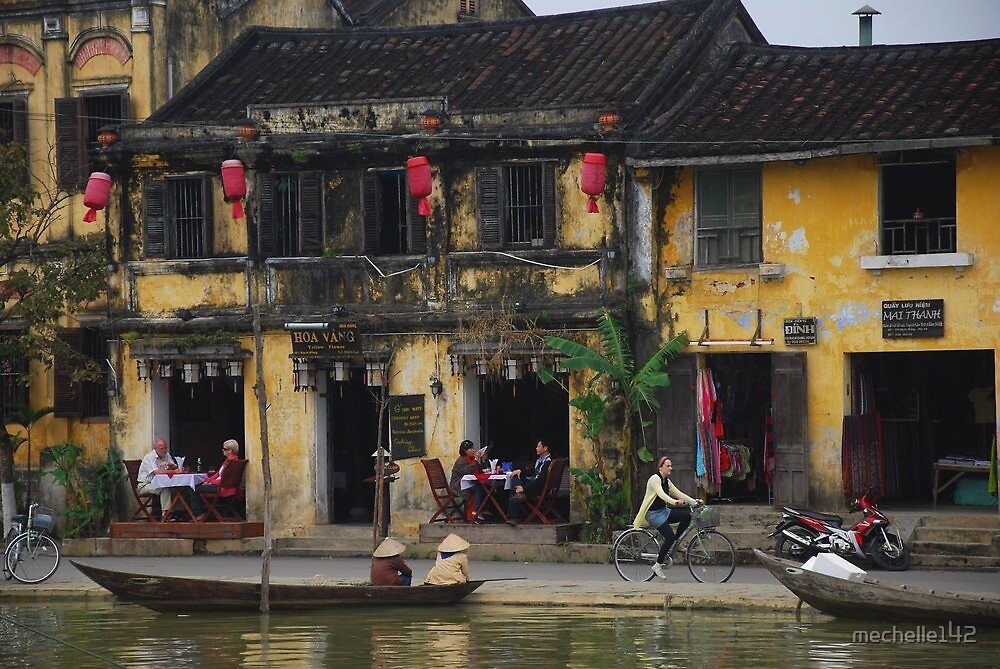 Buildings of Hoi An, Vietnam by mechelle142