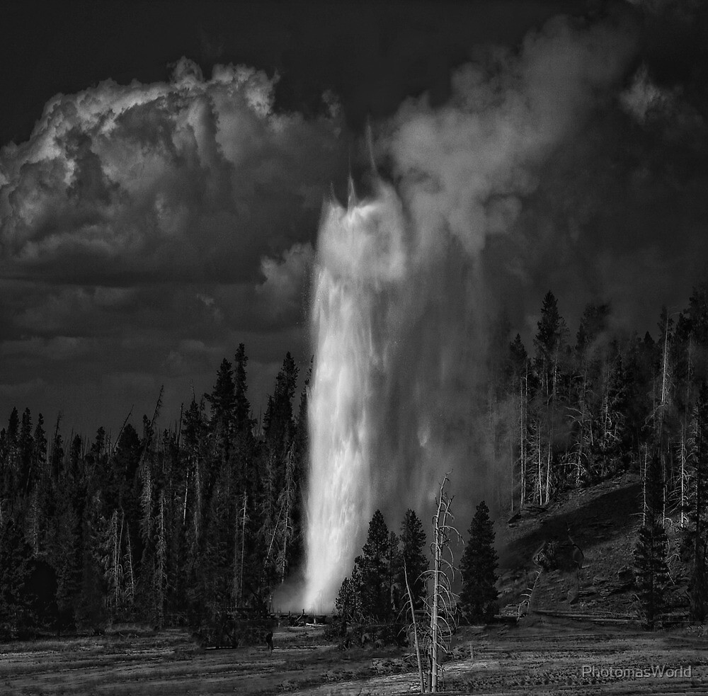 The glorious second burst of the Grand Geyser by PhotomasWorld