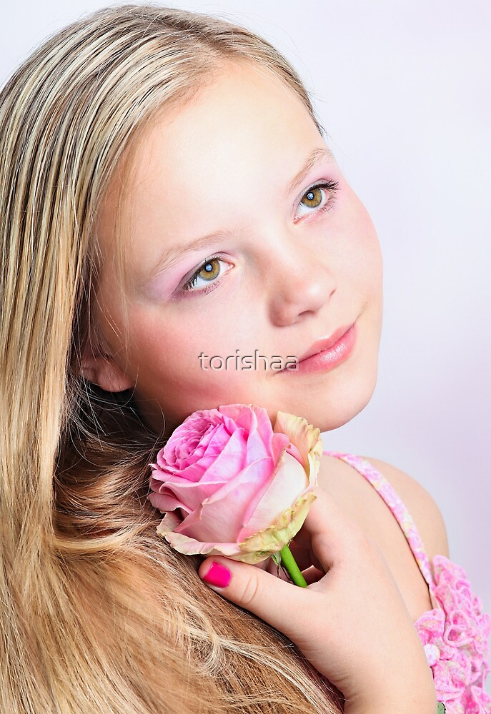 Pink by torishaa