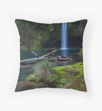 Omanawa deadwood Throw Pillow