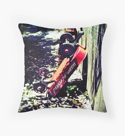 little lost wagon Throw Pillow