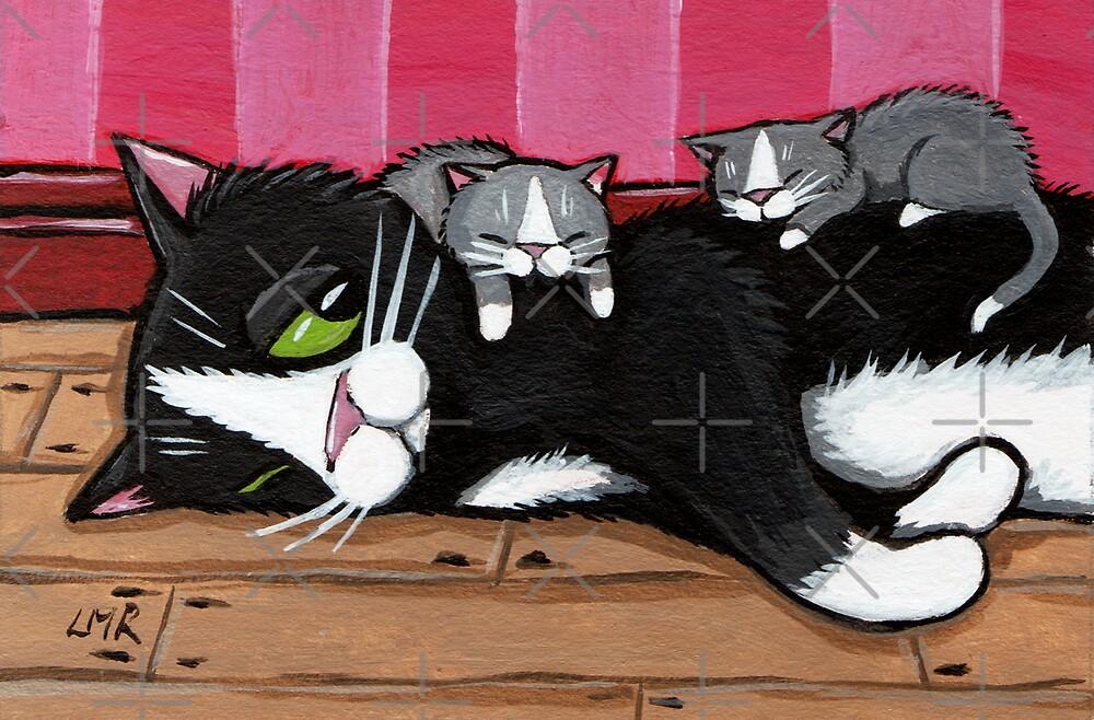 Kitty Sitting by Lisa Marie Robinson