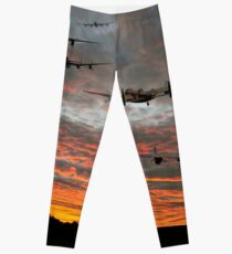 At The Going Down Of The Sun Leggings