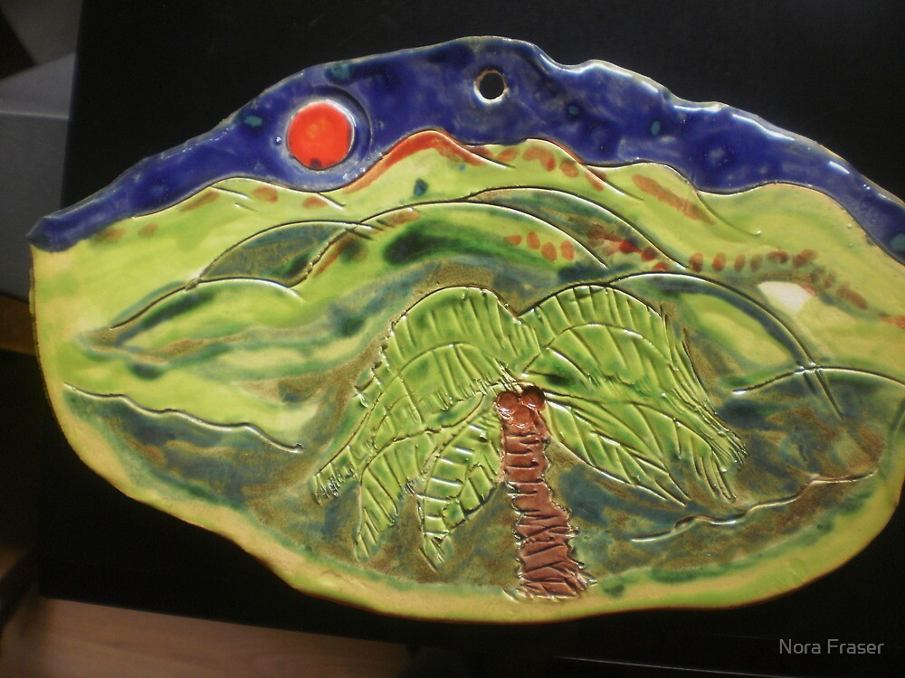 """""""Painting on my New Zealand  handcrafted plaque by Nora Fraser"""