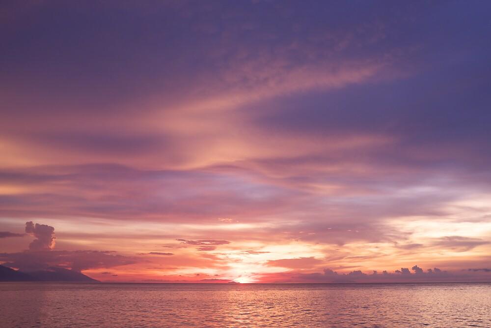 Puerto Galera Sunset 1 by Jojo Sardez