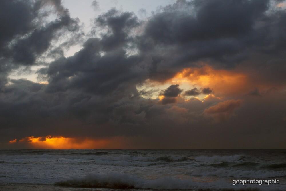Gloomy skies by geophotographic