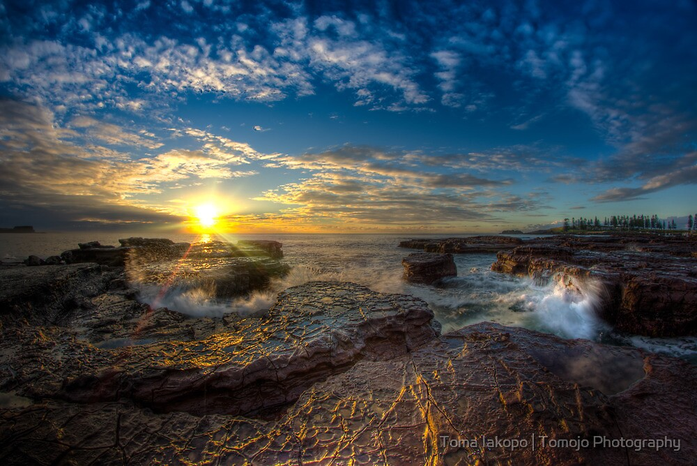 Kiama Sunrise HDR v1 by Toma Iakopo | Tomojo Photography
