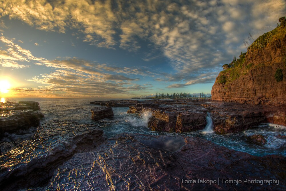 Kiama Morning Sunrise HDR v2 by Toma Iakopo | Tomojo Photography