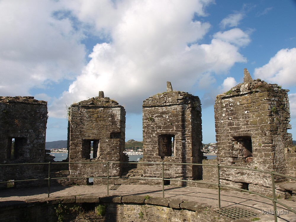 Turrets of Conwy by kalaryder