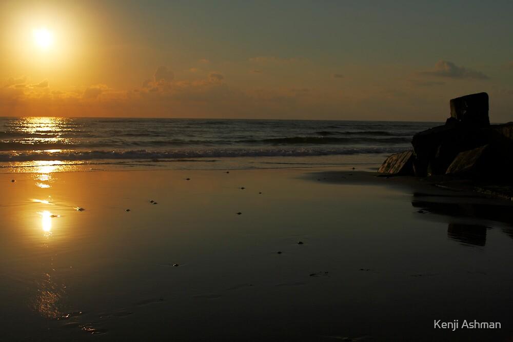 Tofo Sunrise by Kenji Ashman