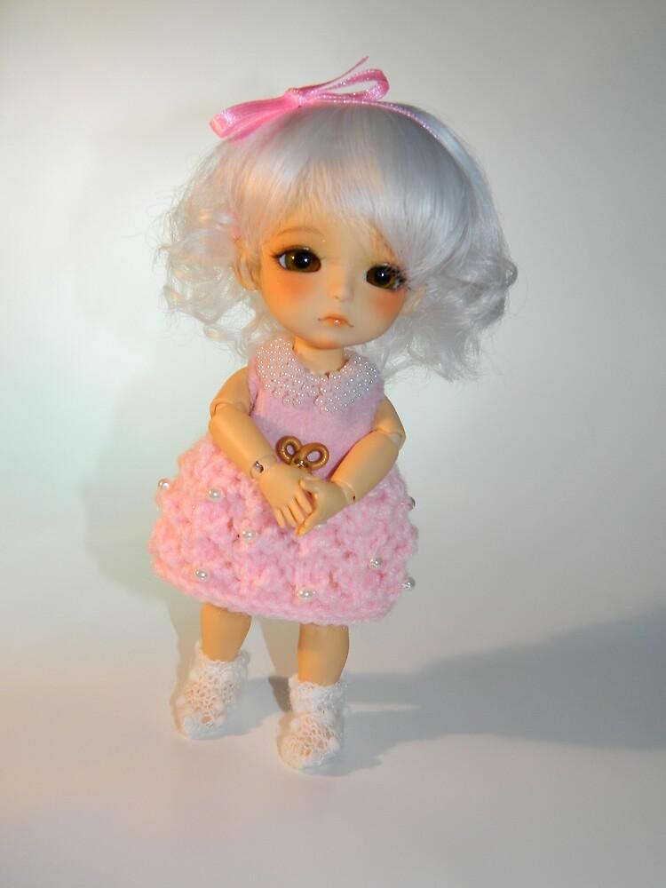 Photograph of a Lati Doll by EmikoNingyou by emikoningyou