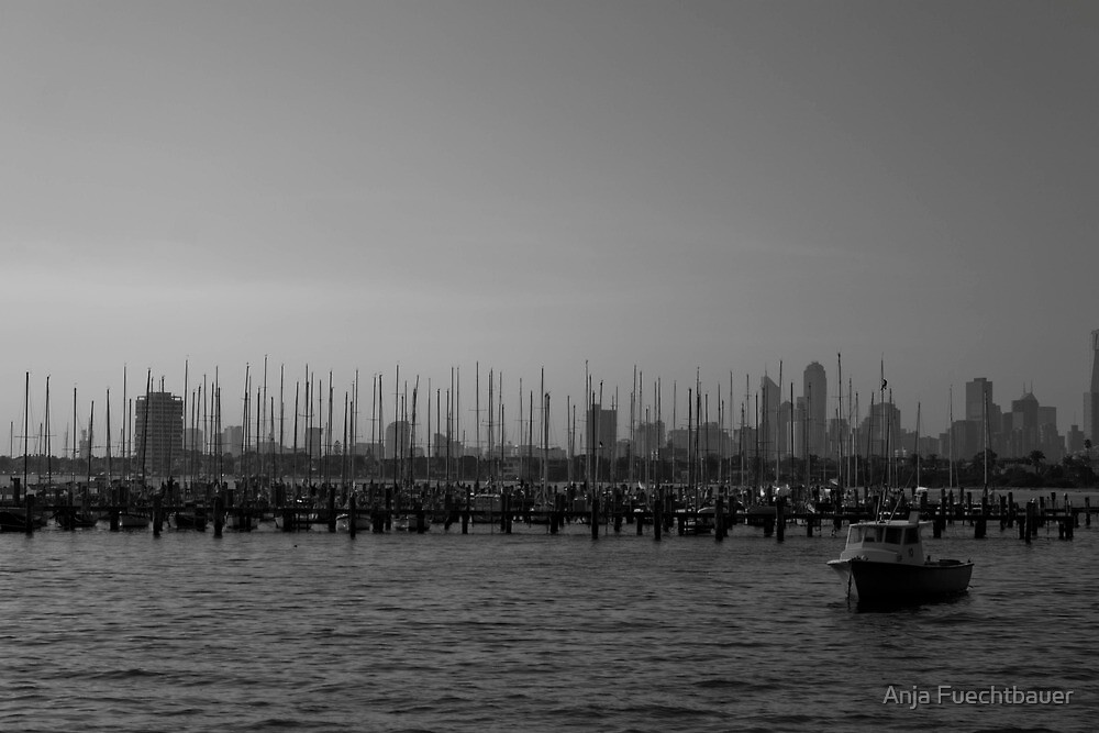 Melbourne - Ocean and City  by Anja Fuechtbauer