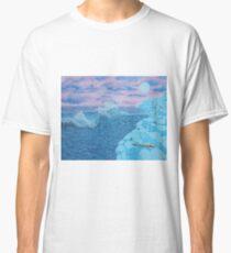 Giants Causeway seascape Classic T-Shirt
