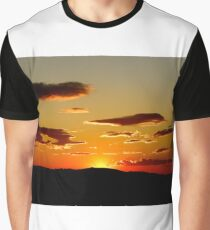 Looking west Graphic T-Shirt