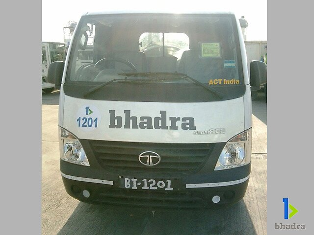 lavatoryservice_cartnarrowbody(front)(Ground Handling India) by Bhadra