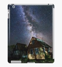The Milky Way that rises among the houses iPad Case/Skin
